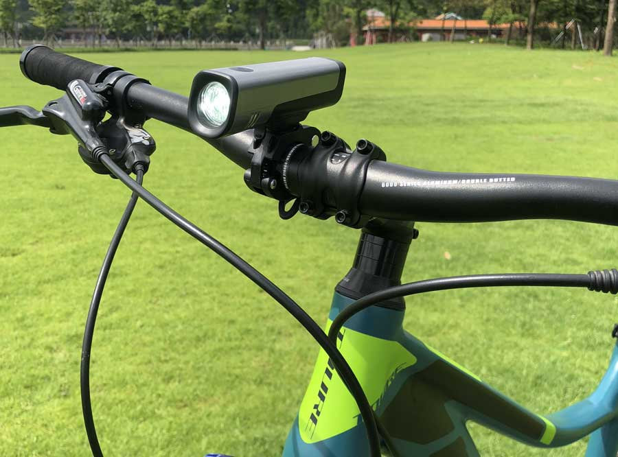 LF-08 Sate-lite USB rechargeable bike light/ bicycle headlight